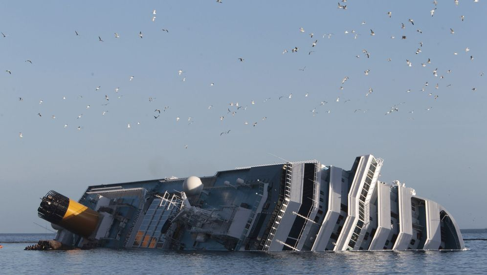"""Costa Concordia"": Das Wrack vor Giglio"