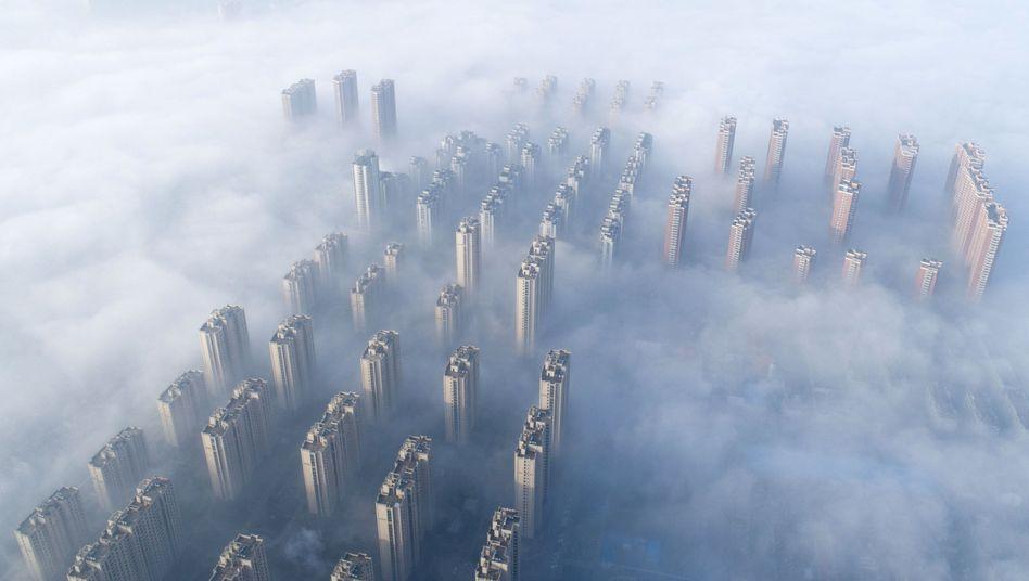 In Smog gehüllt: Hochhäuser in der chinesischen Stadt Nantong