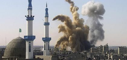 """Explosion in Rafah nach einem Angriff der israelischen Luftwaffe: """"Was die meisten Israelis gerne vergessen möchten"""""""