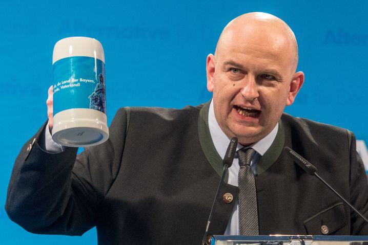 Stephan Protschka, Bezirksvorsitzender der AfD in Niederbayern (Februar 2018): den Stein mitfinanziert