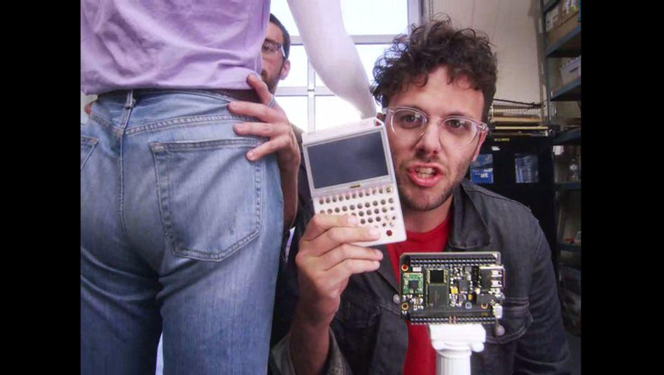 Ausschnitt aus Werbevideo: Ein Computer für unter zehn Dollar