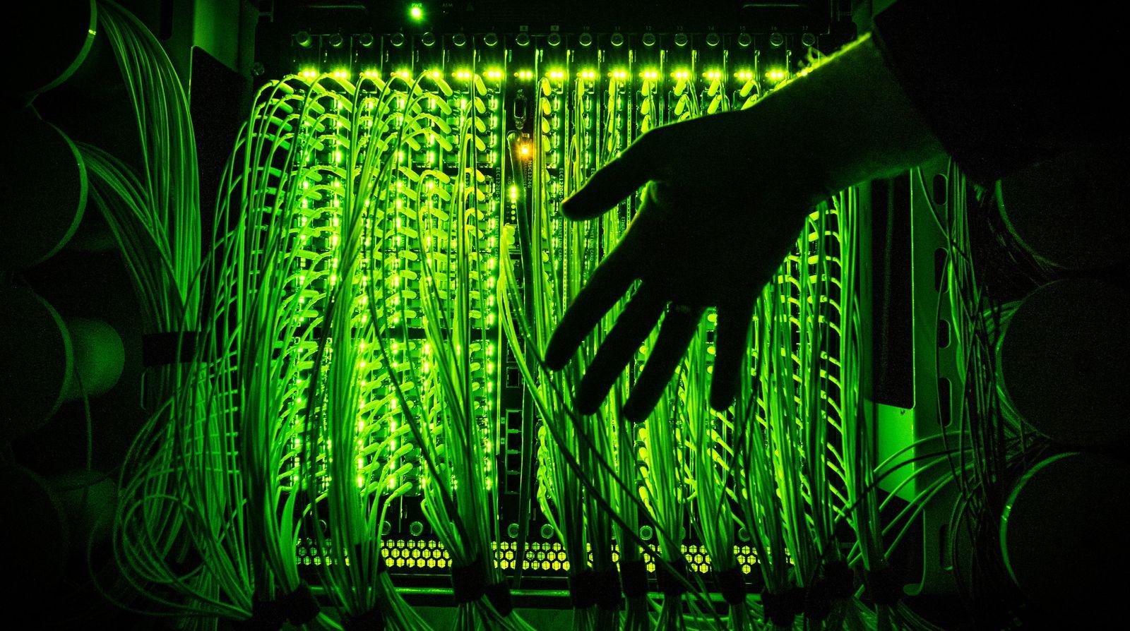 Breitband / Glasfaserkabel