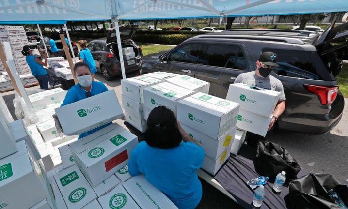 Hilfe für Corona-Verarmte: Kostenlose Essensausgabe in Miami