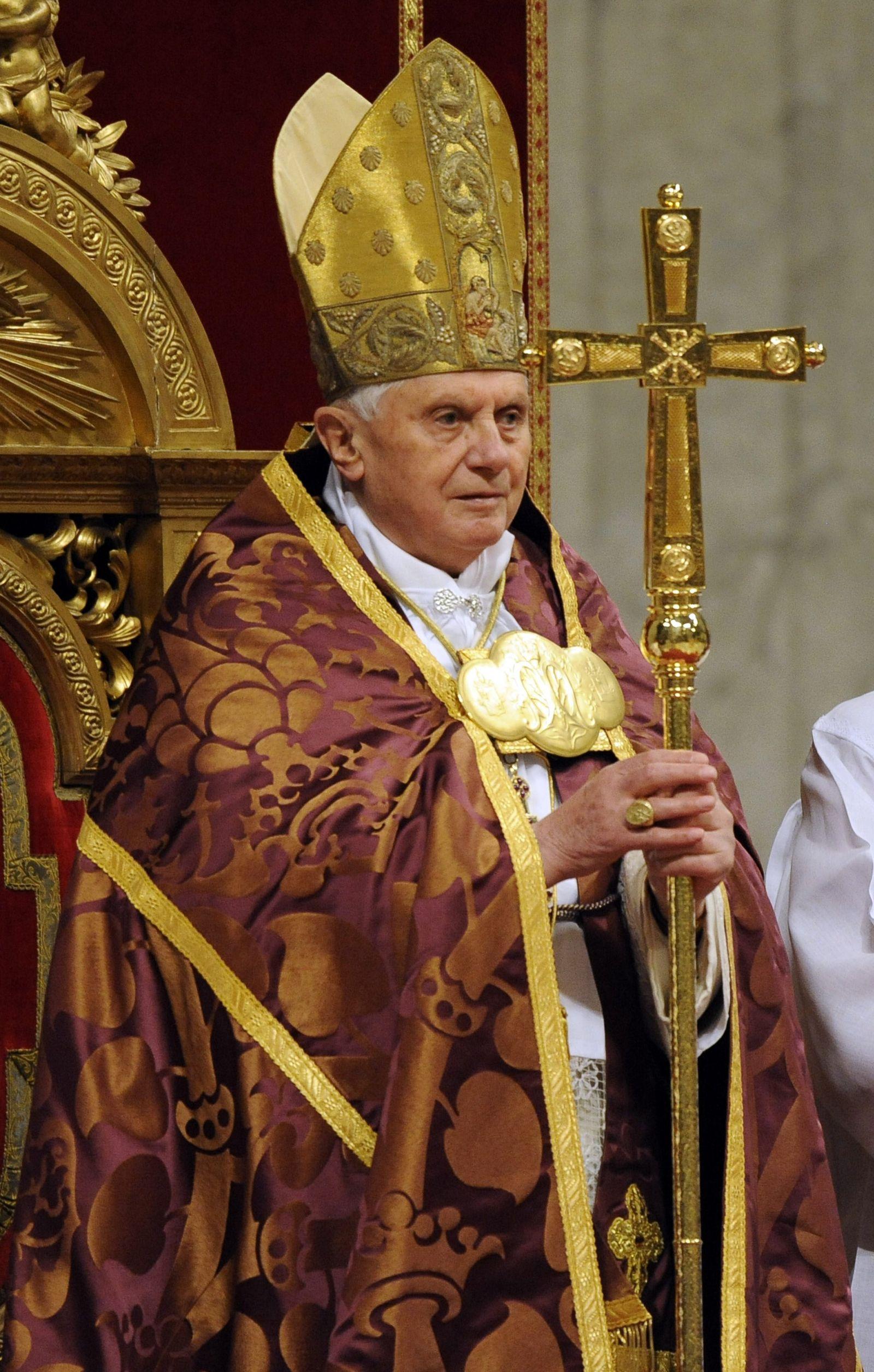 Papst Benedikt XVI. bei Weihnachtsmesse mit Studenten