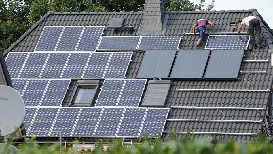 Installation einer Photovoltaik-Anlage: Jede fünfte Kilowattstunde aus Erneuerbaren