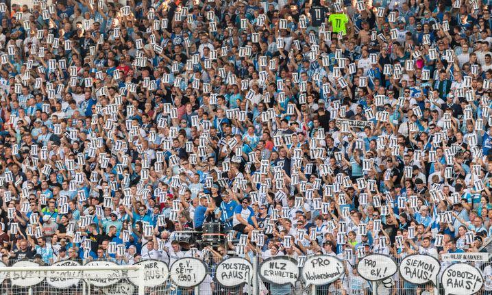 Statements der CFC-Fans beim Spiel gegen den Hamburger SV