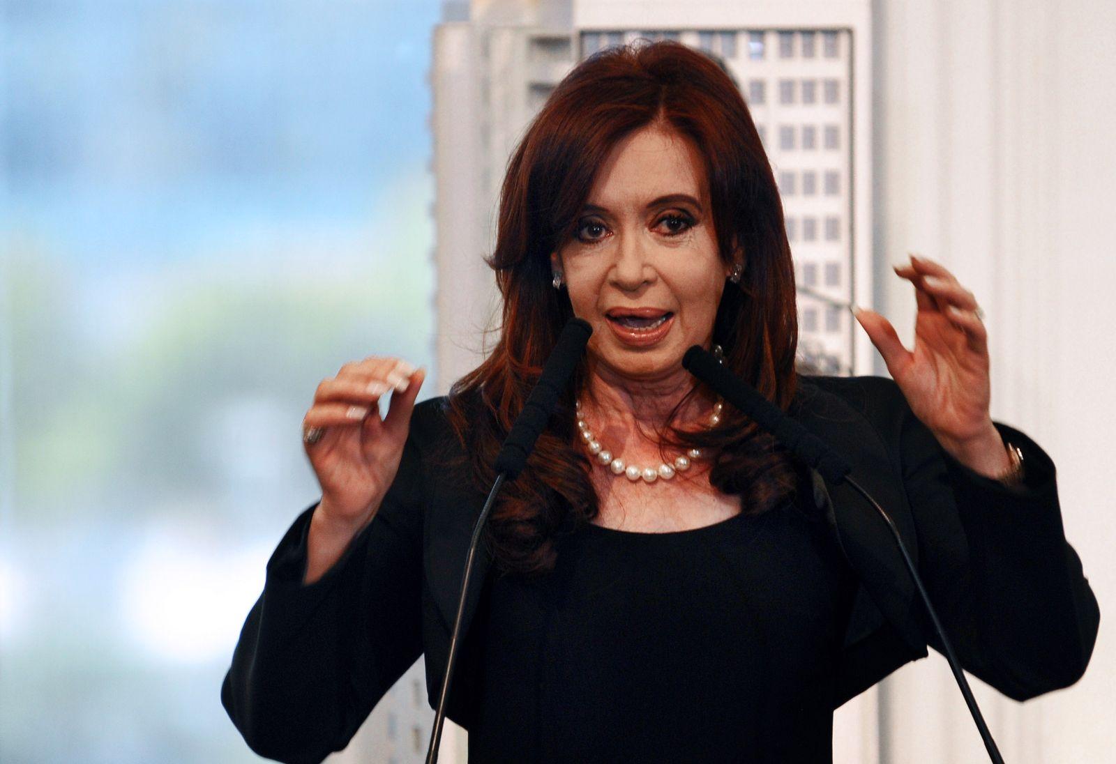 ARGENTINA-SPAIN-ENERGY-OIL-YPF-REPSOL-FERNANDEZ DE KIRCHNER