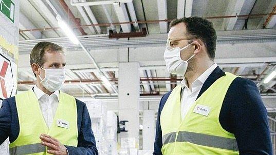 Gesundheitsminister Spahn zu Besuch beim Fiege-Konzern