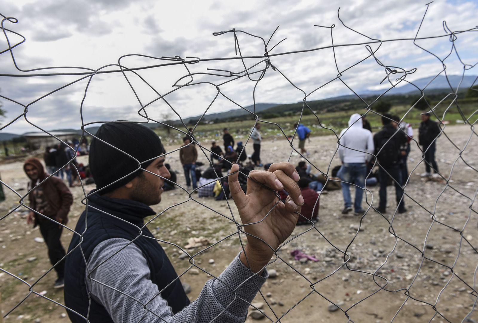 Flüchtlinge / Grenze Mazedonien- Griechenland