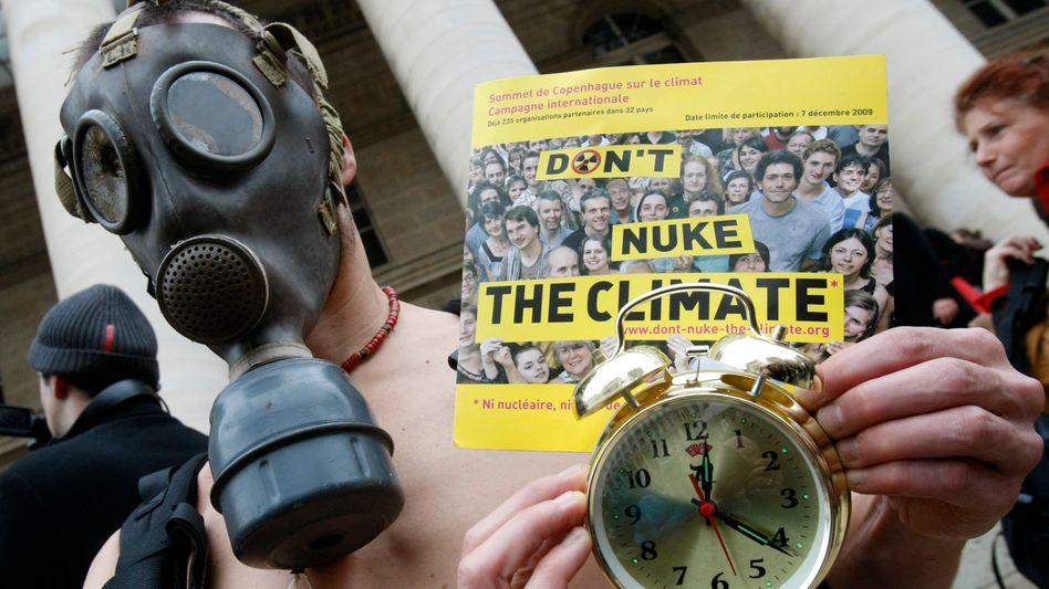 Klima-Demonstrant in Paris: Weltweit gingen am Wochenende Tausende für den Klimaschutz auf die Straße