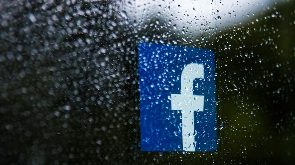 Facebook-Firmenlogo: »Immer wieder Fehler machen und bloß sagen, dass es ihnen leidtut«