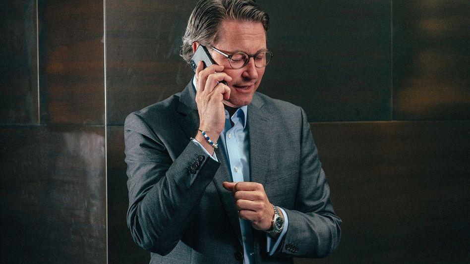 Bundesminister Scheuer: Hat er beim Einfädeln des Deals gelogen?