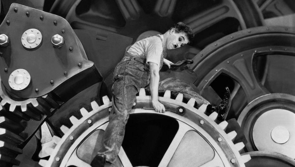"Szenenfoto aus Charlie Chaplins ""Modern Times"""