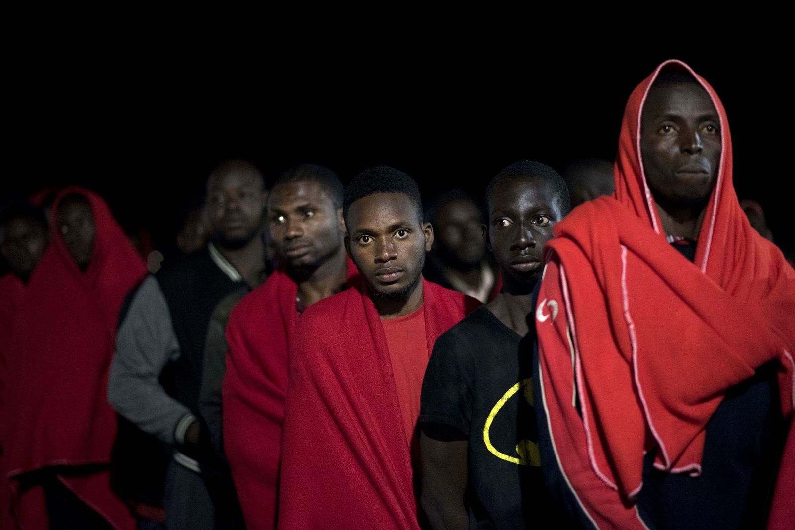 Buch/ Stephen Smith: Nach Europa! Das junge Afrika ...