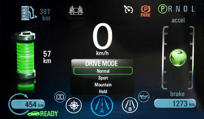 Display im Opel Ampera: Bei verschwenderischer Fahrweise verrutscht die grüne Kugel