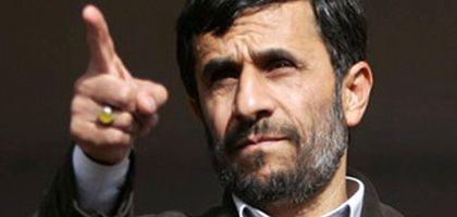 """Staatschef Ahmadinedschad. """"Wir müssen warten, um zu sehen, was Obama machen will"""""""