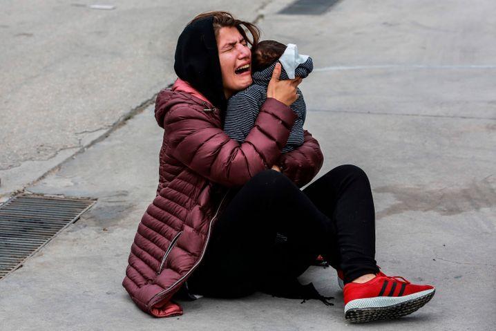 Geflüchtete Frau mit Kind auf Lesbos im Februar 2020