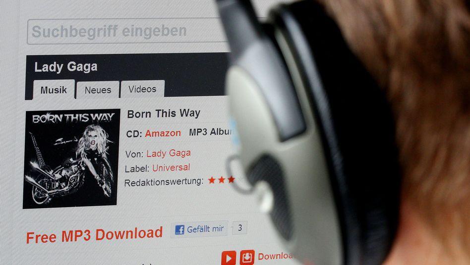 Musikhörer (Symbolbild): Europäischer Online-Binnenmarkt soll es Anbietern einfacher machen
