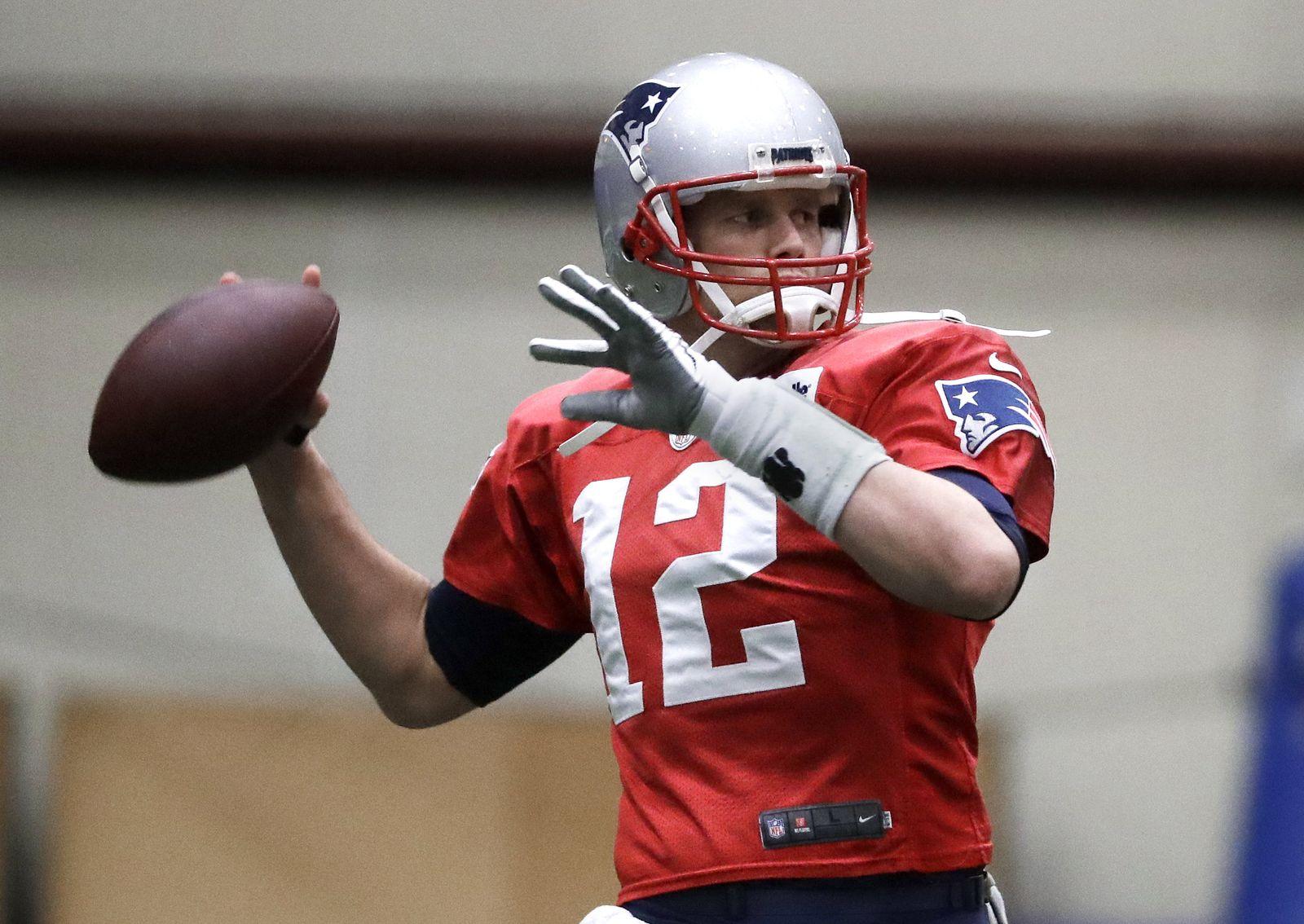 NFL Super Bowl - Tom Brady