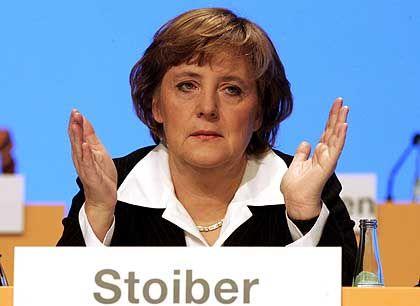 CDU-Chefin Merkel: Demonstrativ hinter Stoiber gesetzt