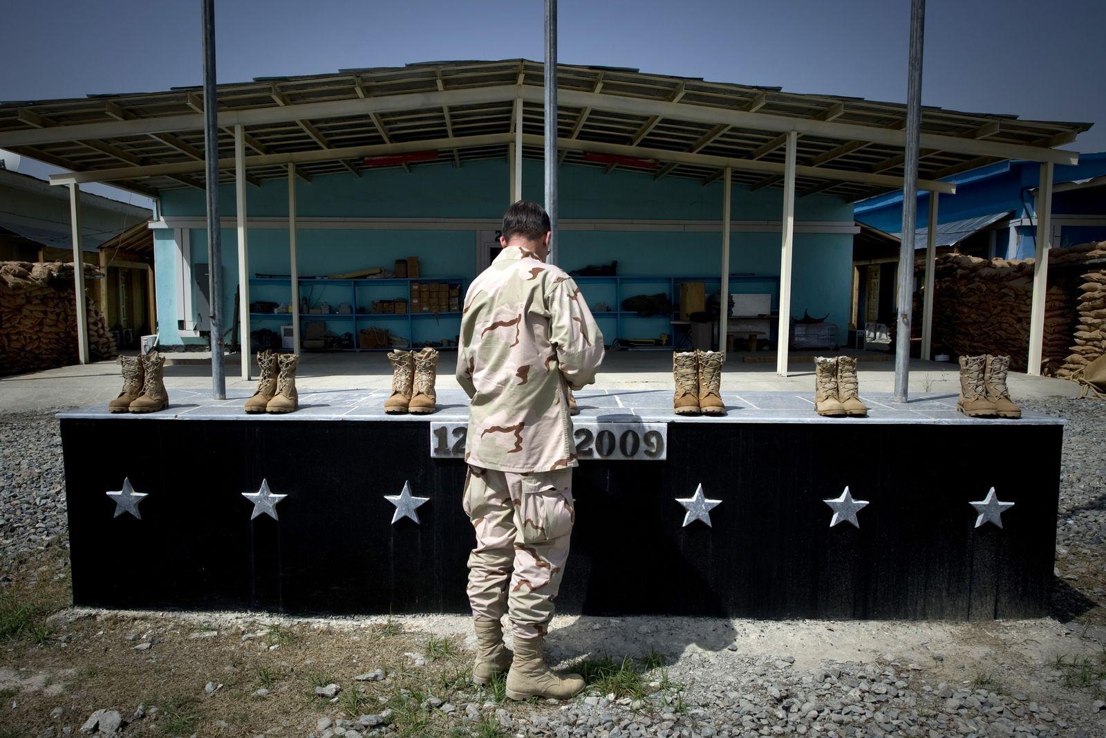 EINMALIGE VERWENDUNG camp champman Afghanistan/ Gedenken/ Anschlag 2009