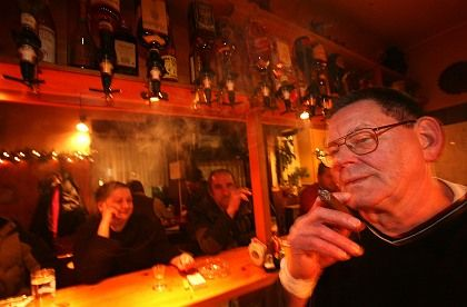 A ban on smoking in bars, restaurants and indoor public places has been on the books in many German states since Jan. 1.