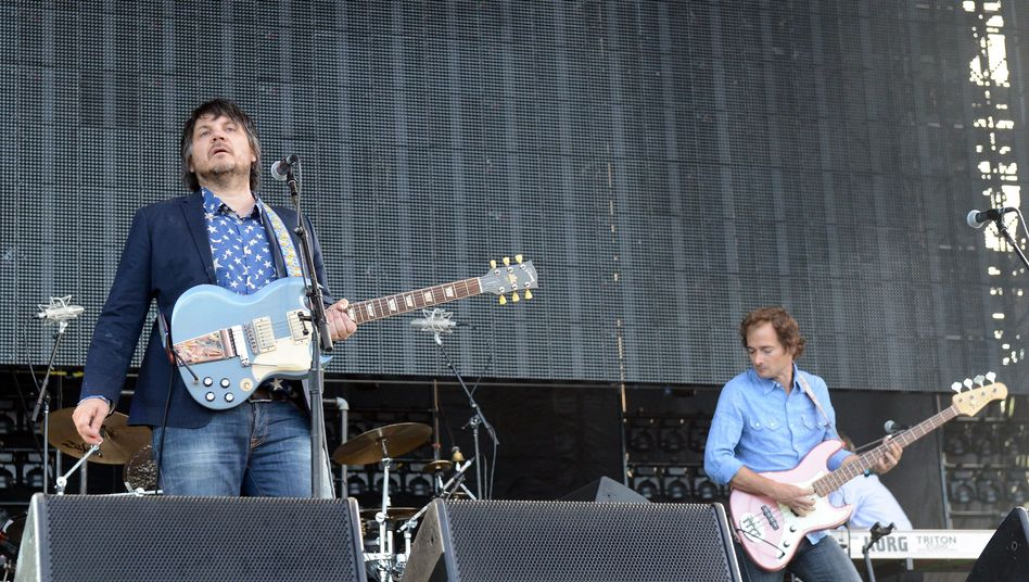 Rockband Wilco (Jeff Tweedy, l., Bassist John Stirratt): Geschenk an die Fans