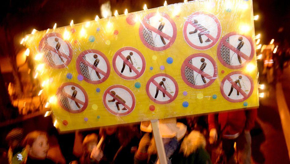 Demo gegen Exzesse im Straßenkarneval