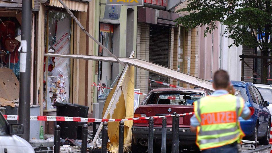 Zerstörung nach Nagelbombenanschlag in der Kölner Keupstraße (Archiv)