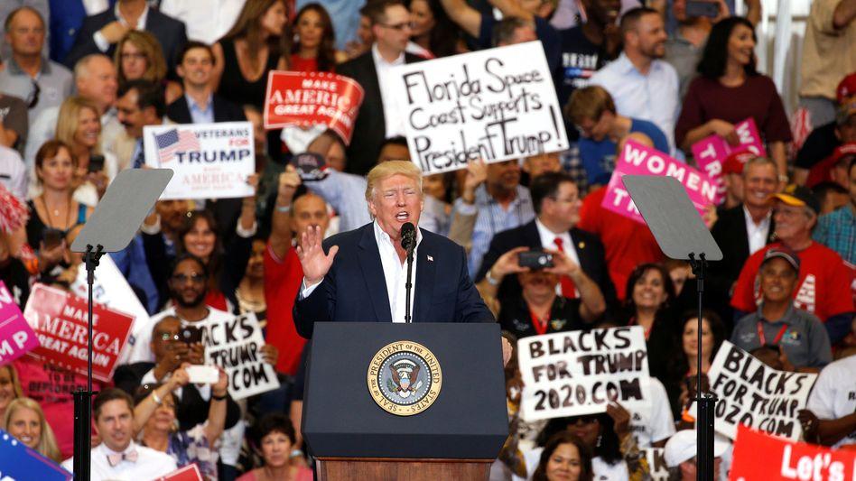 Trump während seiner Rede in Florida