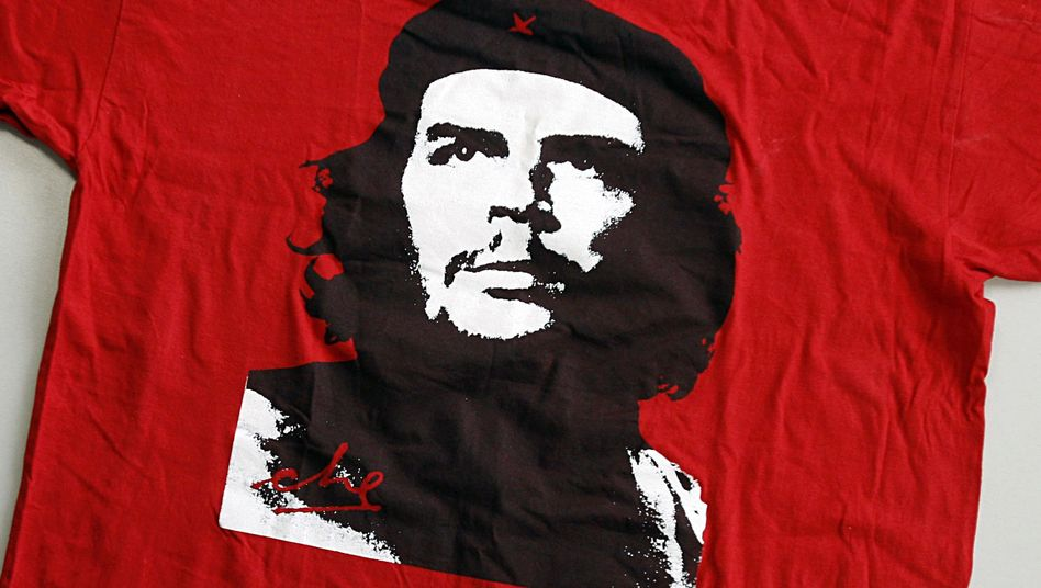 """T-Shirt mit Guevara-Porträt (Archiv): """"Keine Gefühle verletzen"""""""