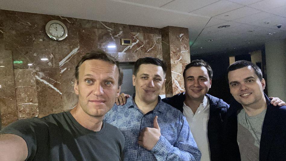 Andrej Borowikow neben Alexej Nawalny (Archivfoto)