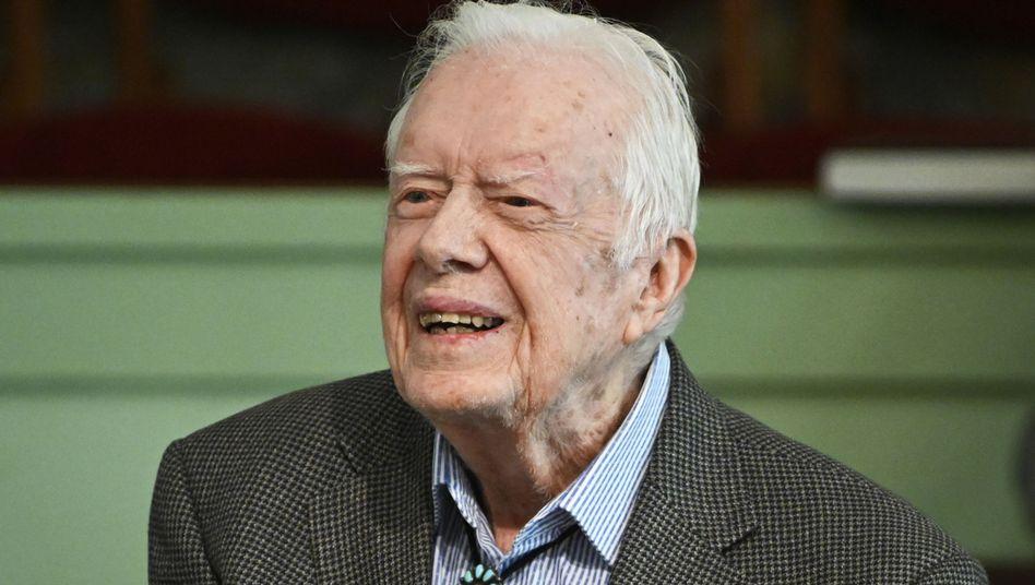 Jimmy Carter hatte sich vor zwei Wochen einem operativen Eingriff zur Verringerung des Hirndrucks unterzogen