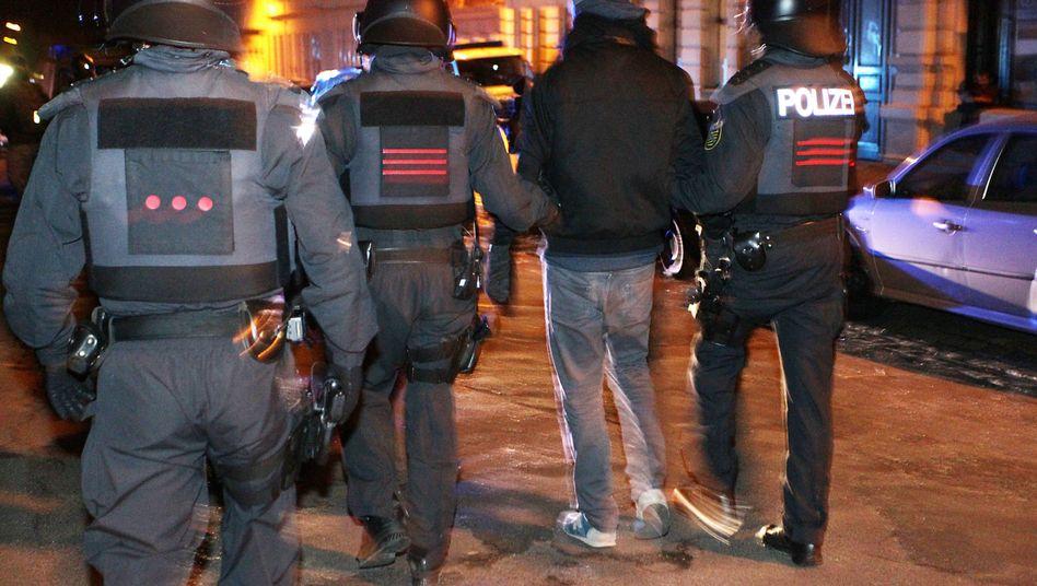 Spontandemonstration in Leipzig: Die Polizei hat Handys von Kundgebungsteilnehmern beschlagnahmt