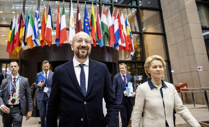 EU-Ratspräsident Michel, Kommissionschefin von der Leyen