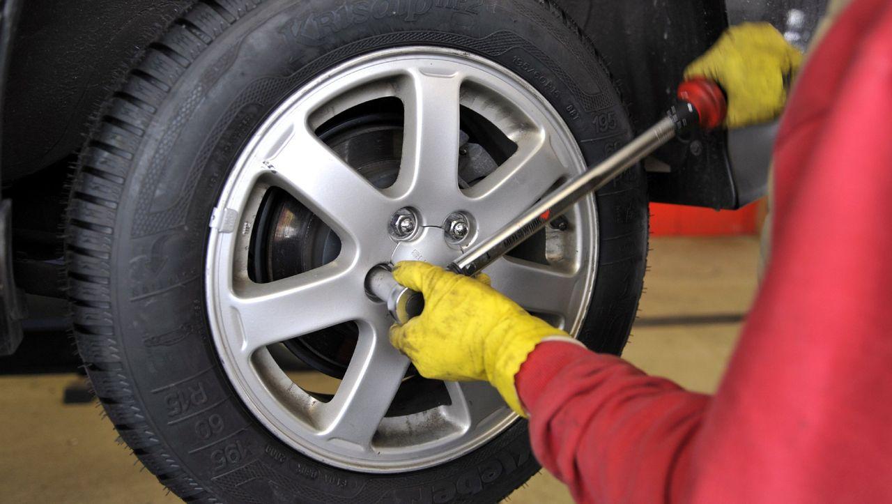 Corona-Krise: Reifenwechsel ja oder nein? - DER SPIEGEL - Mobilität