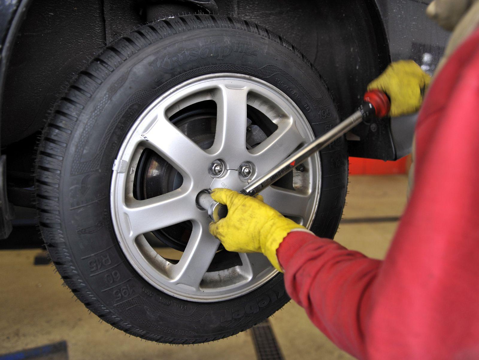 Winterreifenmontage / Reifenwechsel