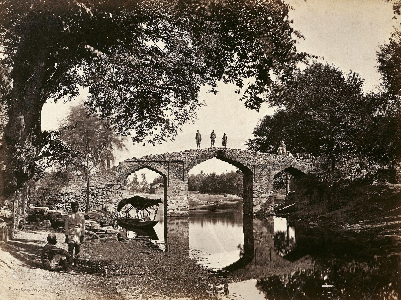 Historische Reisebilder - Blick auf die Akbar-Brücke in Srinagar