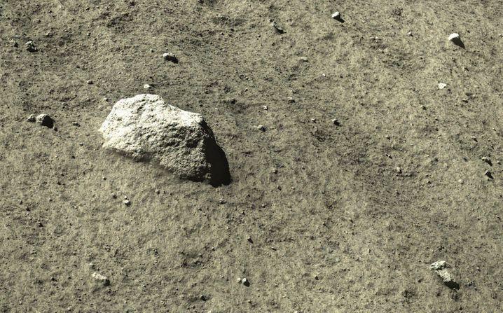 Gestein auf dem Mond: Fast kann man einzelne Staubkörner erkennen