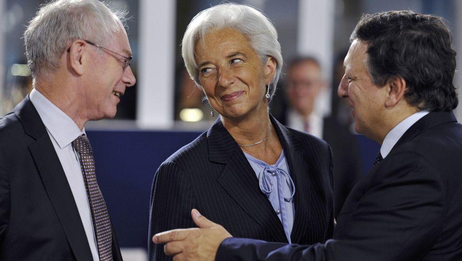 IWF-Chefin Lagarde mit EU-Politikern Van Rompuy (l.) und Barroso: Europa gibt Macht ab