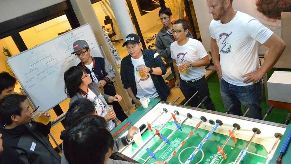 Unternehmer in Thailand: Betriebsausflug in den Regenwald