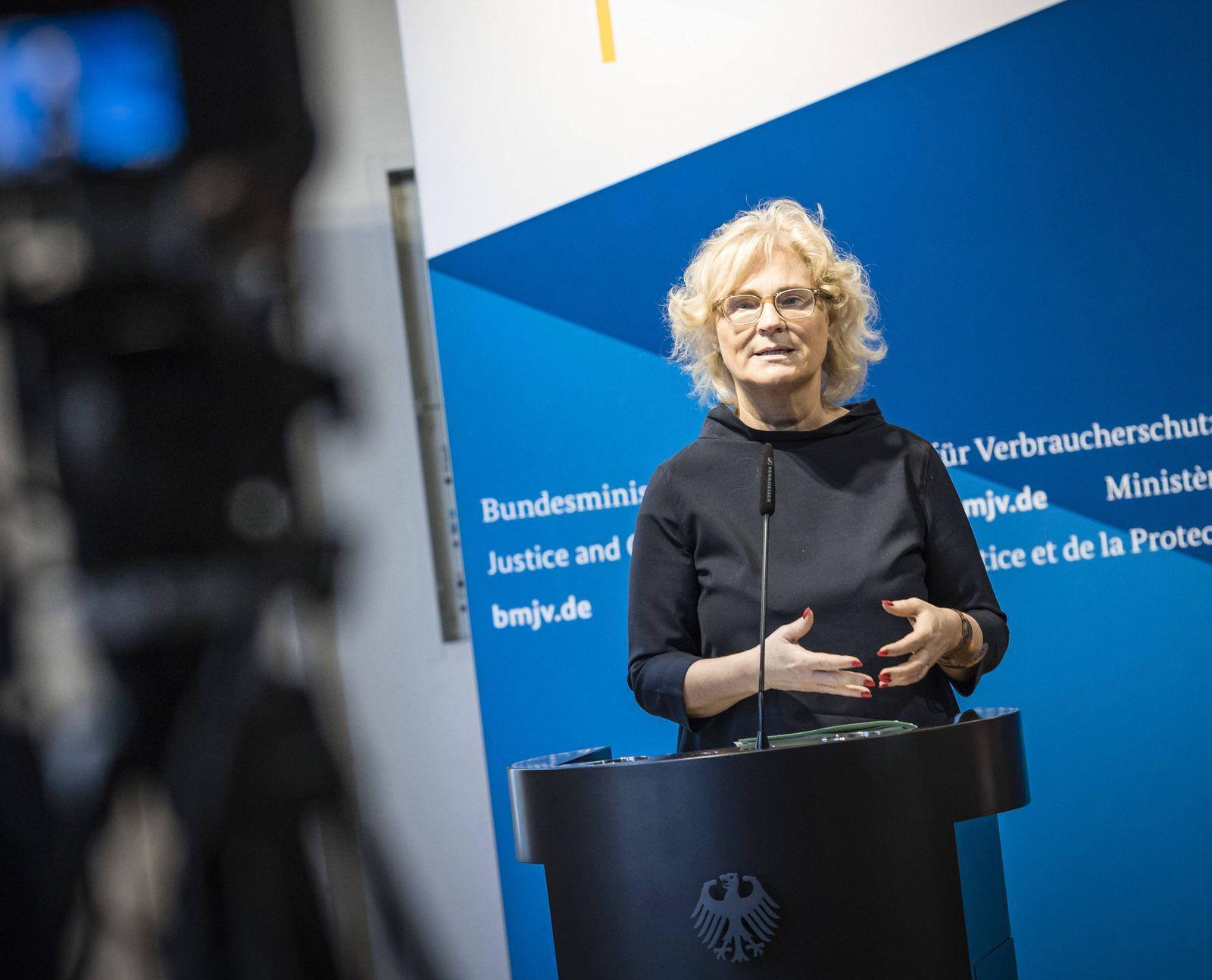 Christine Lambrecht, Bundesministerin der Justiz und fuer Verbraucherschutz, aufgenommen bei einer Videokonferenz, anla