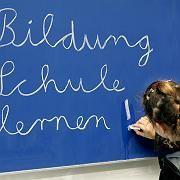 Schultafel: Unterrichtsstunden werden ersatzlos gestrichen