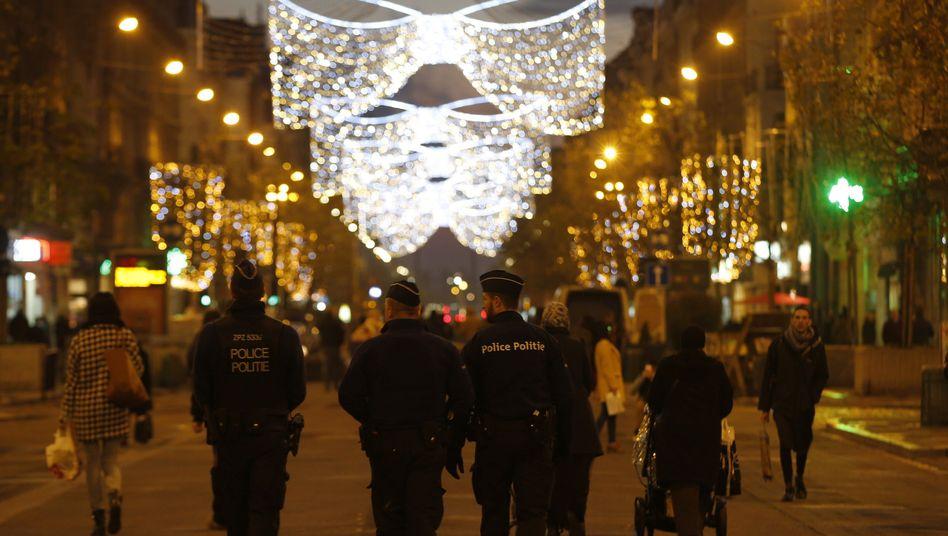Polizei in Brüssel: Höchste Terrorwarnstufe verlängert