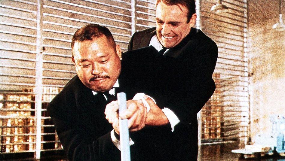 """Szene aus """"Goldfinger"""": Gähnende Leere in 13 Kammern?"""
