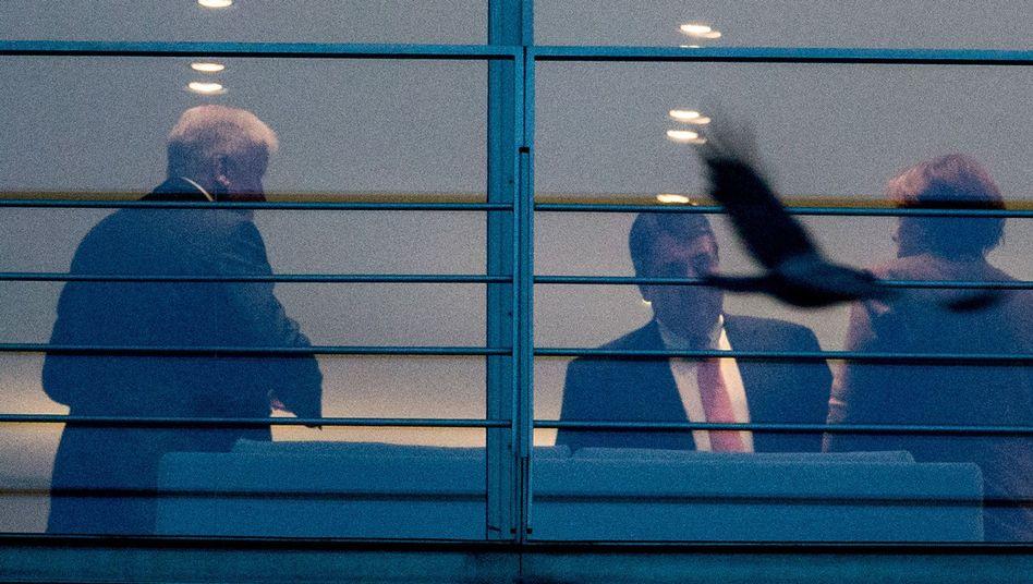 Horst Seehofer, Sigmar Gabriel, Angela Merkel im Kanzleramt (Archivbild)