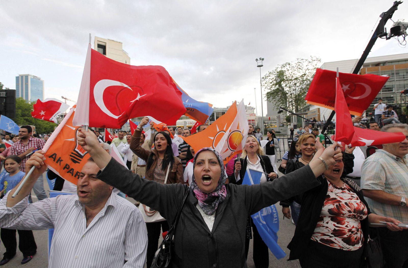 Türkei/ Wahlen/ Anhänger/ AKP