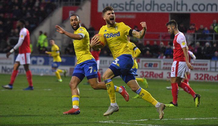 Leeds Uniteds Mateusz Klich jubelt