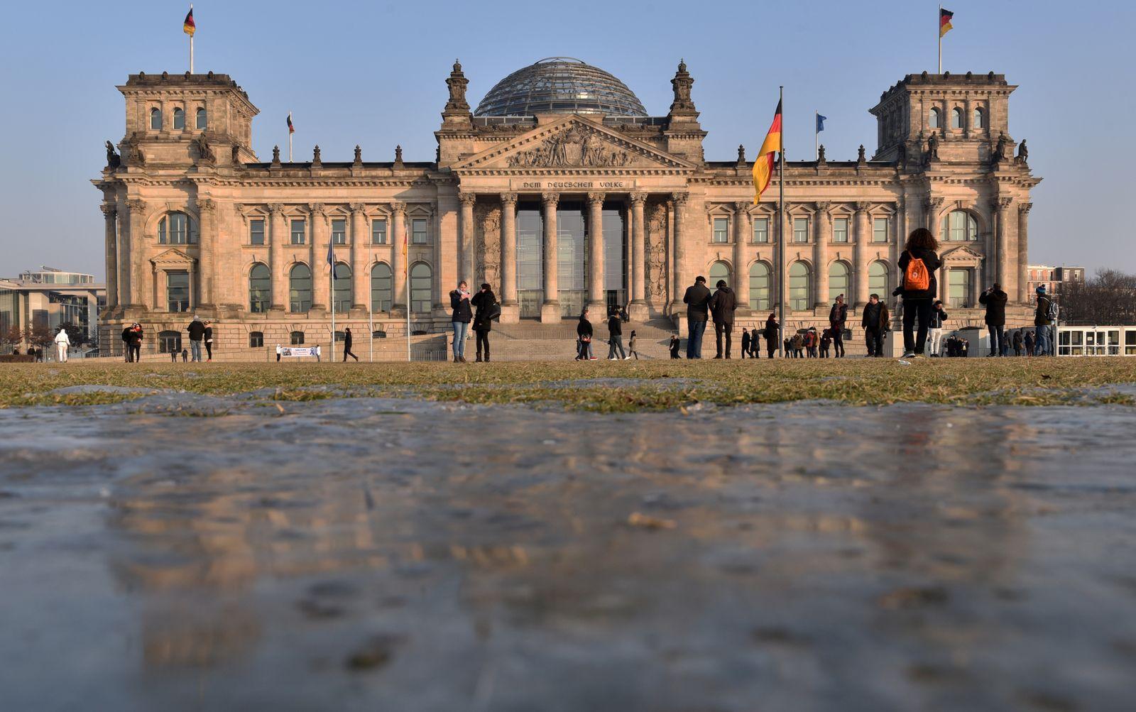 Symboldbild SEO/ Bundestag