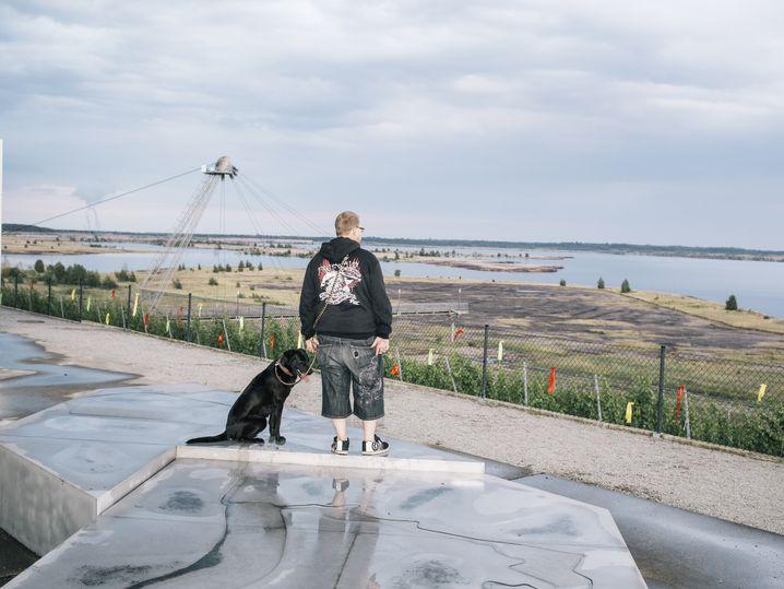 Spaziergänger am Großräschener See